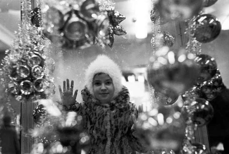 Новый год в СССР: Дед Мороз, Снегурочка и консервы