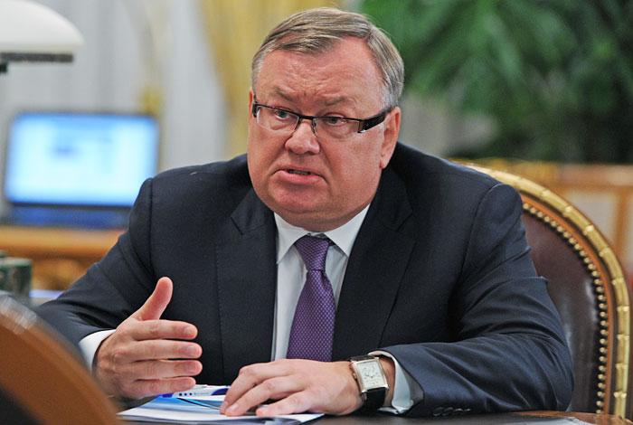 Глава ВТБ Костин прогнозирует курс доллара на уровне 61-62 рубля к концу 2017 года
