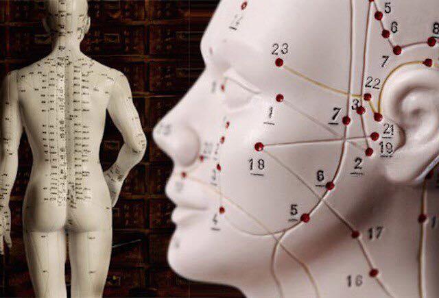 refleksoterapiya-ot-psoriaza-na-kakie-tochki-stavyat-igolki