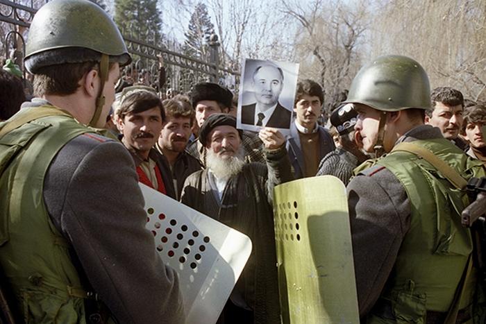 В дни гражданской войны в Таджикистане.