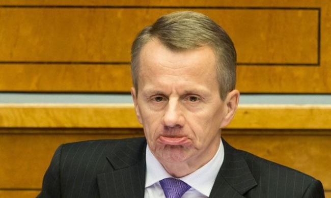 Парламент Эстонии снова расс…