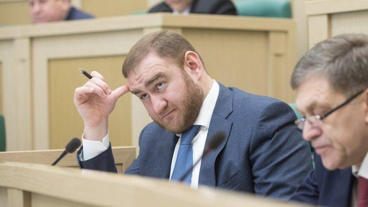 Рауф Арашуков останется сена…