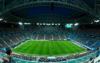 Как прихрамывающий «Зенит» собирает полный стадион