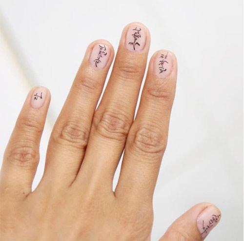 Иероглифы вместо рисунка на ногтях