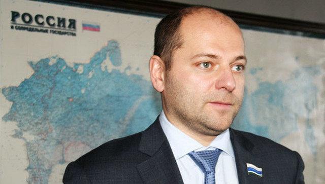 """10600 рублей хватит: Суд определил сумму содержания депутата, предлагавшего """"поменьше питаться"""""""