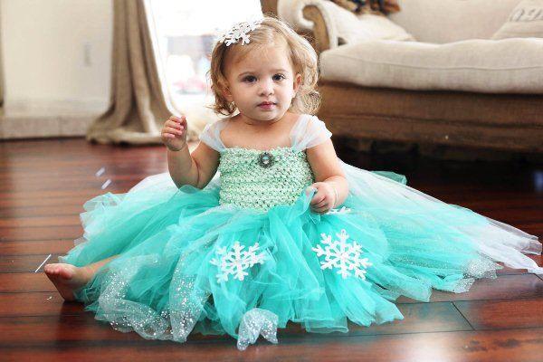 Снежинки на платье для девочки своими руками