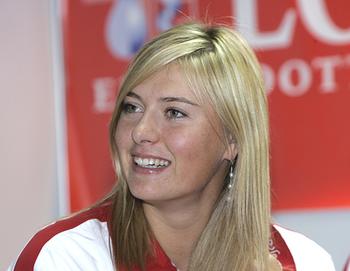 Шарапова обыграла Макарову и вышла в четвертьфинал турнира в Штутгарте