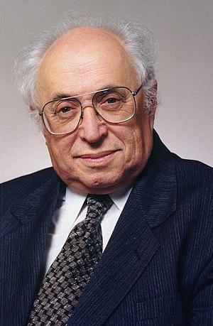 Местечковый иудей, ставший благодаря советской власти профессором МГУ, поливает СССР грязью