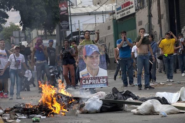 США ставят Венесуэлу на грань гражданской войны