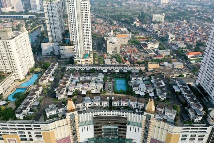 Деревня Cosmo Park на крыше торгового комплекса Thamrin City Mall в центральной части Джакарты (Индонезия). | Фото: amusingplanet.com.