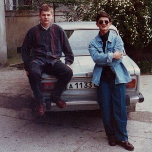 """КВНщики из команды """"Утомлённые солнцем"""" Павел Стешенко и Михаил Галустян. 1995 год."""