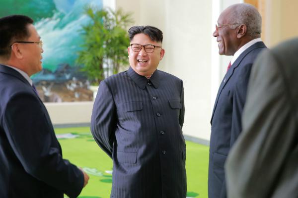«Мудрое решение»: Трамп похвалил Ким Чен Ына за отказ бить по Гуаму