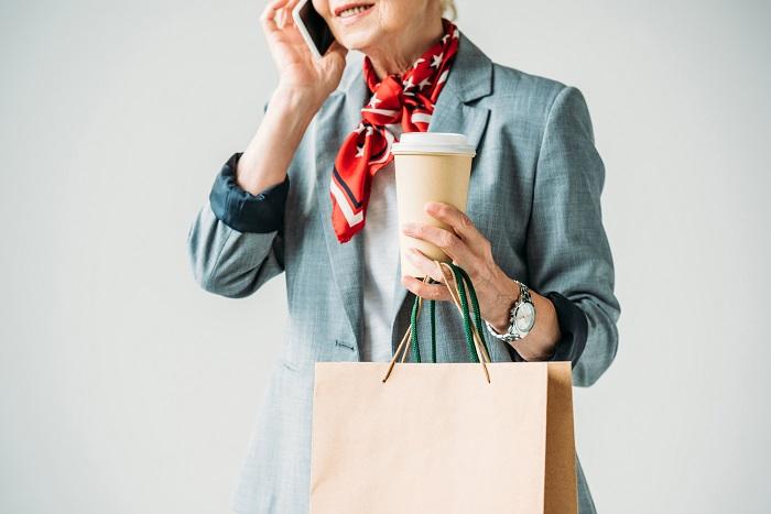 как завязать платок или шарф на шее