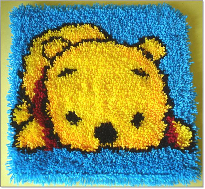 Мастер-класс — вышиваем легко и просто уютную подушку в ковровой технике