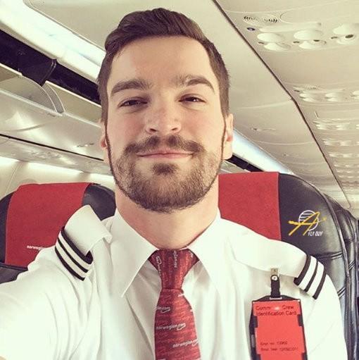 16. Скандинавия - Norwegian Air Shuttle люди, пилоты, стюардессы