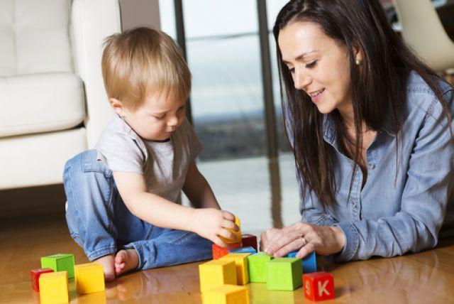 Не указывать и не ругать. Как правильно поддержать игру малыша?