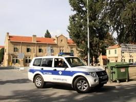 Россиянин сбежал от полиции Кипра по дороге в суд