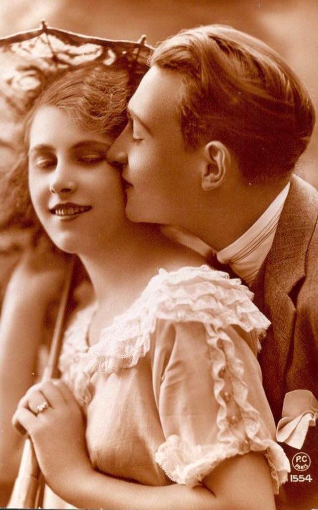 Любовные французские открытки 1920-х годов