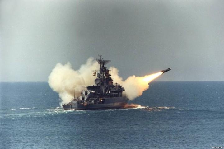 Черноморский флот не даёт майданщикам добывать нефть и газ на шельфе моря