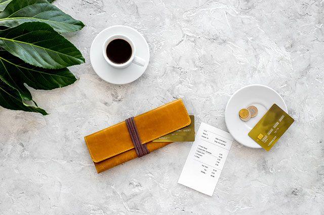 Может ли ресторан самостоятельно включать чаевые в счёт заказа?