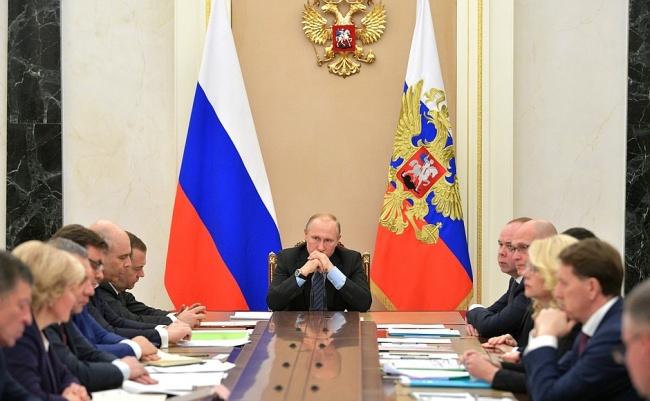 Путин: Разрушенный взрывом газа дом вМагнитогорске должен быть расселен