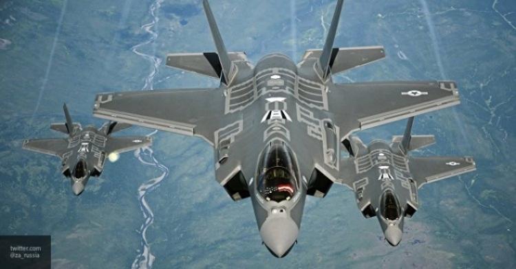 Неизбежная катастрофа США: отказ от F-35 уничтожит ВМФ страны