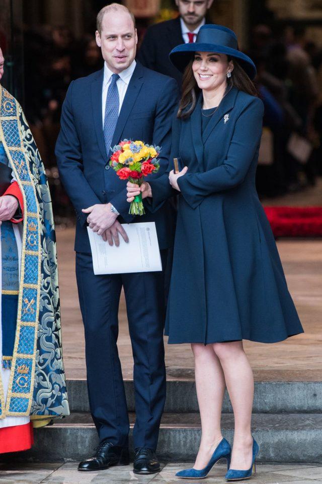 Кейт и Уильям в синих нарядах