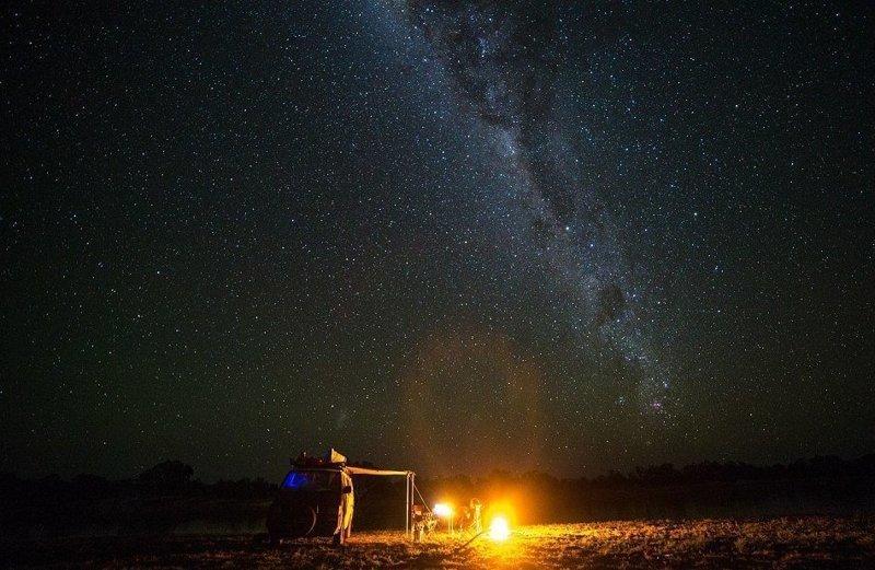 """Австралийцы признались, что кочевой образ жизни научил их """"не воспринимать незначительные вещи как должное"""" австралия, жизнь, пара, приключение, путешествие, фотография, фургон"""