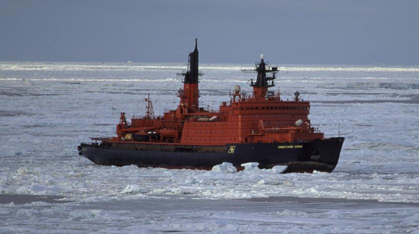 РФ ограничит движение по Северному морскому пути