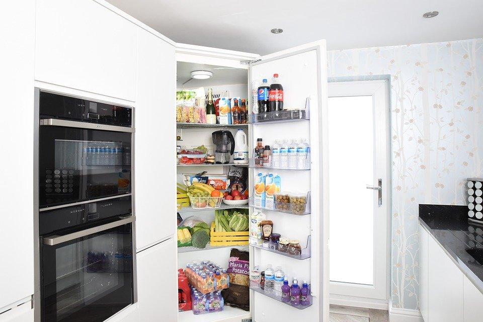 Холодильник насмерть придави…