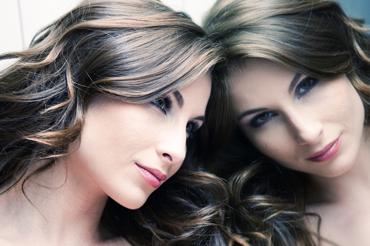 Задумывались ли вы, почему женщины часто лукавят, говоря о собственном возрасте?