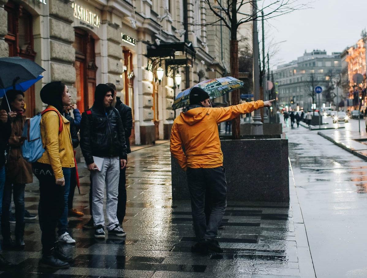 Москва под градусом: центр столицы сквозь стеклышко пивной бутылки