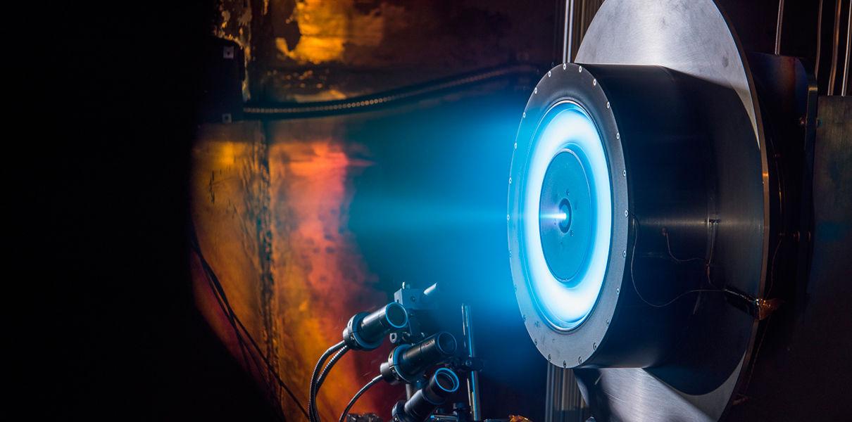 Ионный двигатель NASA доставит человека на Марс за две недели