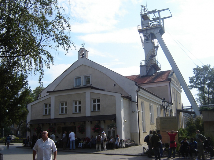 Подземные храмы в соляных шахтах Величка.Польша