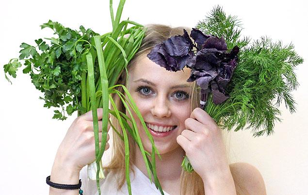 Зелень придаст окрошке чарующий аромат