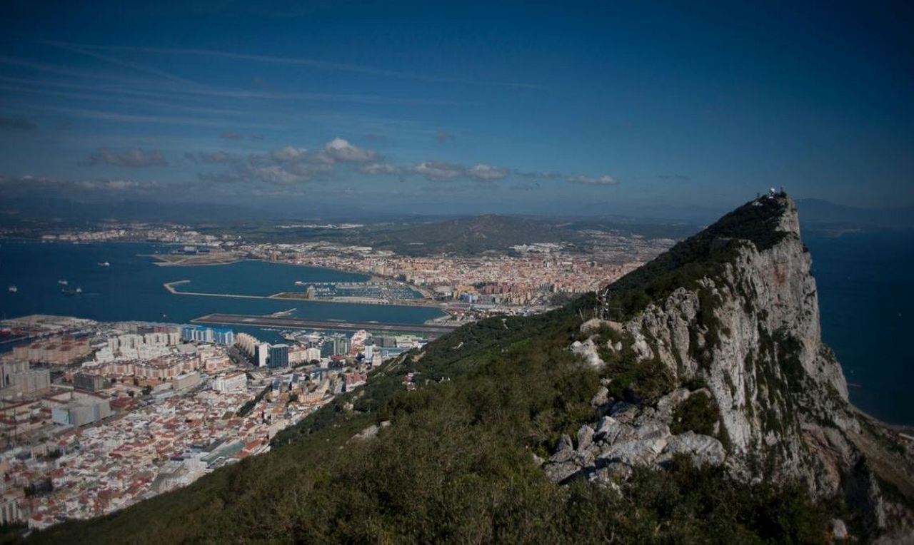 Евросоюз готов ужалить британцев Гибралтаром