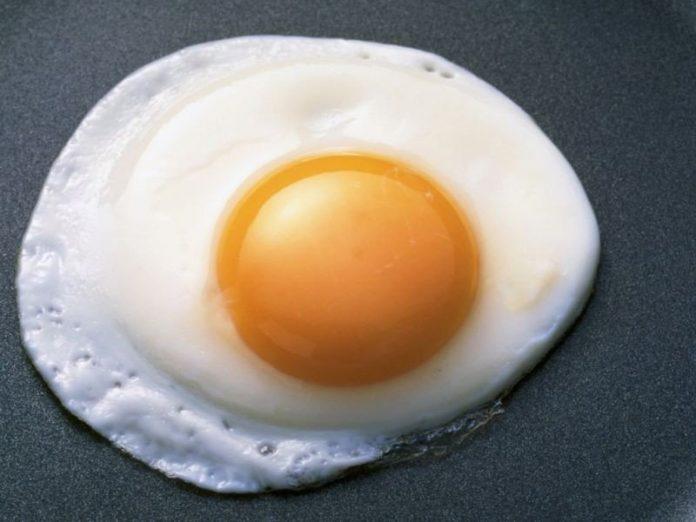 Жена решила приготовить яичн…