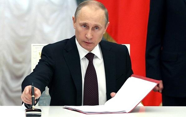 Президент Путин поручил снизить административное давление набизнес