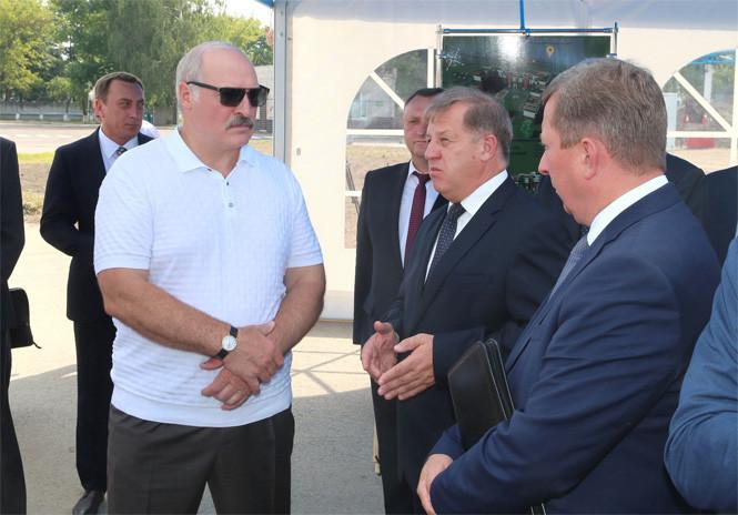 """""""Лопату в зубы!"""" Лукашенко пригрозил найти каждого тунеядца"""