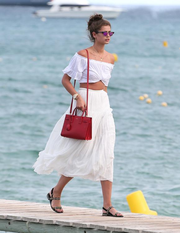 Что носили модели на пляже этим летом