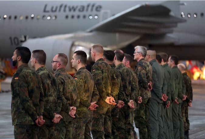 СМИ: летчики увольняются из бундесвера из-за нежелания воевать с Россией