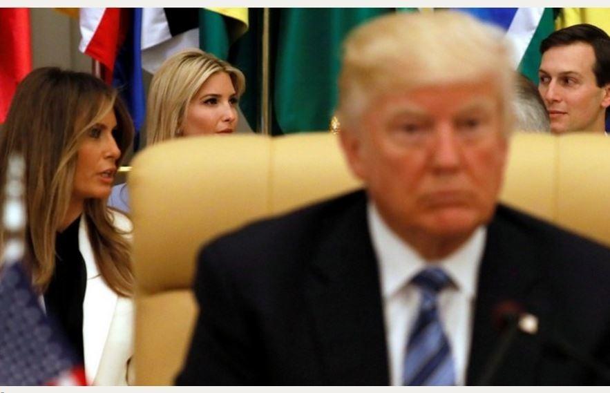 Bloomberg: русские посмеиваются над Америкой Трампа — она похожа на РФ при Ельцине