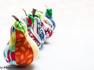 Сезонные фрукты: груша-игольница
