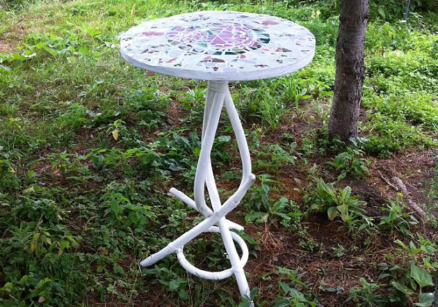 Садовый столик своими руками - украшение дачи