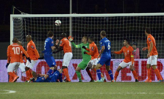 Голландия восстала против Хиддинка