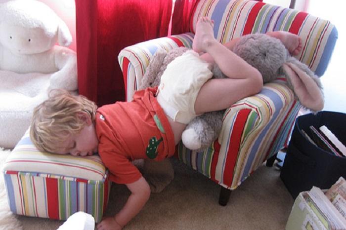 В царстве Морфея:  фотографии  детишек, которые неожиданно заснули