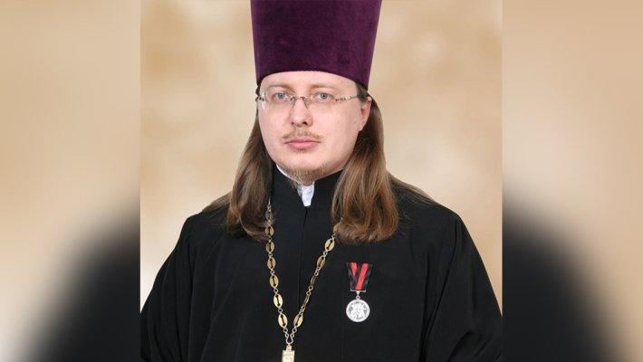 «Это баловство!»: протодиакон РПЦ о скандальном священнике в Gucci