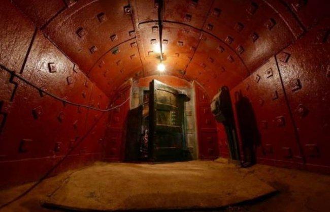 В Твери найден секретный «Сталинский бункер» (5 фото)