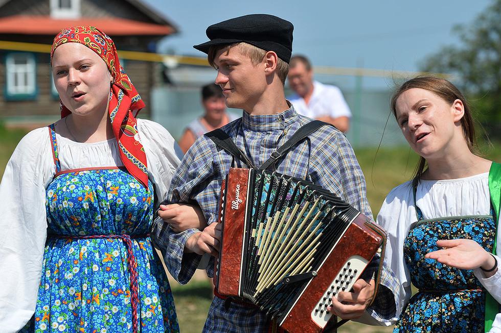 """Многие украинские исполнители песен перешли на русский ради """"выживания"""""""