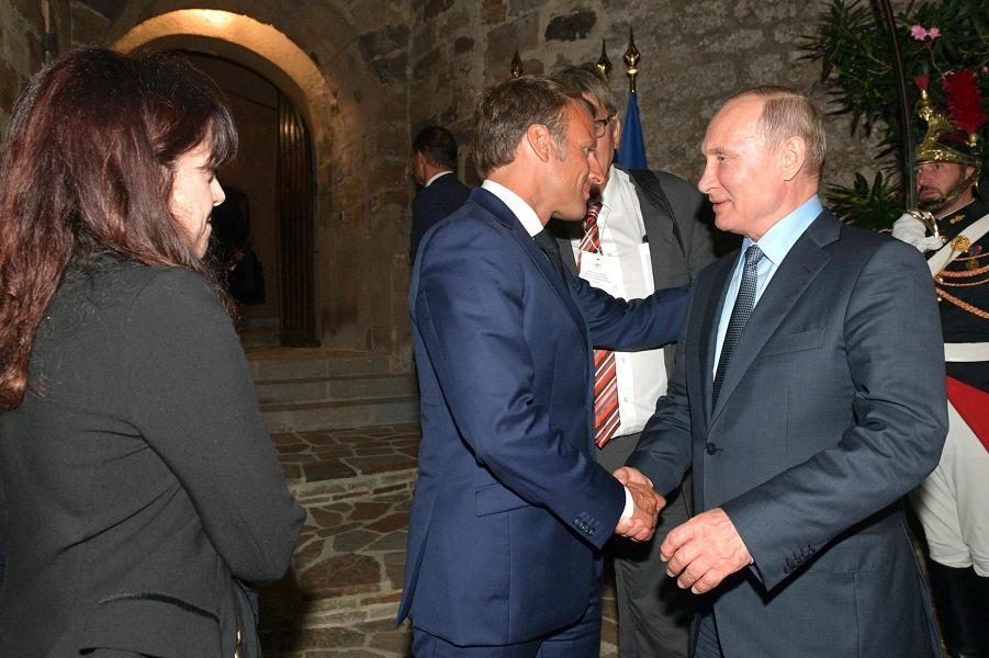 Запад решил отказаться от  Украины? Россия важнее, Путин победил?